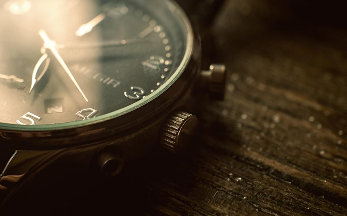 hodinky položené