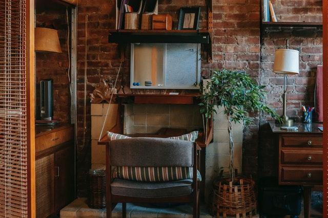 opravený nábytek