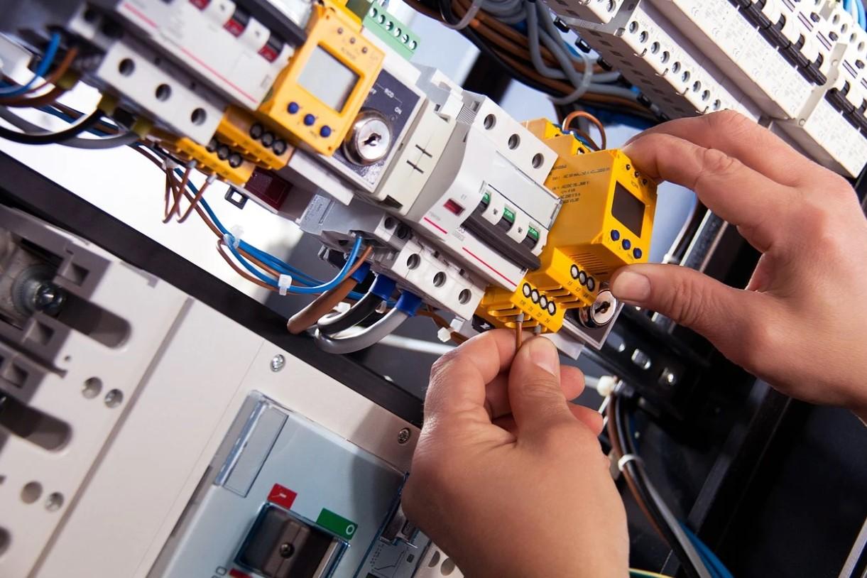 práce na elektrickém zařízení